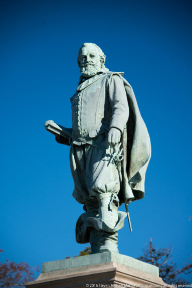Statue of Captain John Smith (erected in 1909) by Steven Michael Martin at album.us.com
